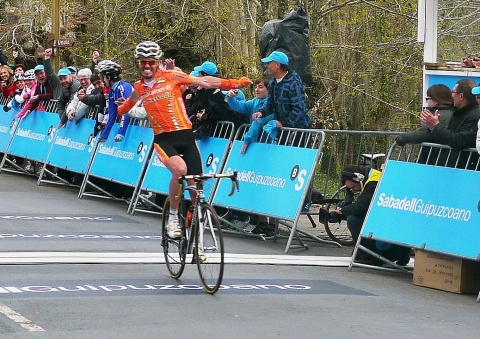 Triple joy for Samu Sachez stage 3 winner (image courtesy of R Whatley)