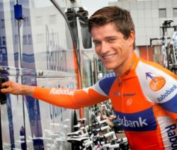 Smiling Theo Bos winner stage 1 (image coutesy of Rabobank)