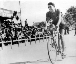Antonin Magne (image courtesy of Cycling Archives)