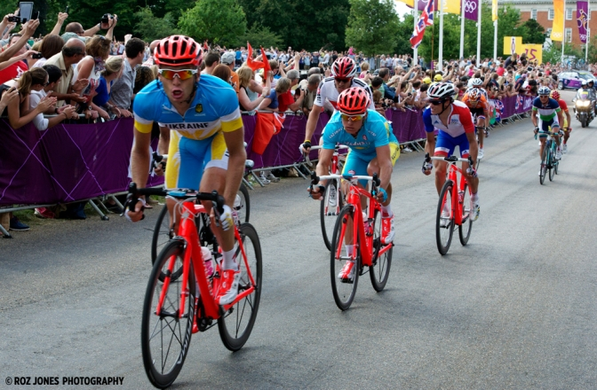 Gold medallist Alexandre Vinokourov (centre) in the breakaway before launching the race-winning attack (image courtesy of Roz Jones)
