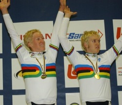 Meyer Brothers winning team pursuit gold (image courtesy of Cameron Meyer)