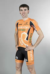 Proudly wearing the new Eusklatel shirt (image courtesy of Euskaltel-Euskadi)