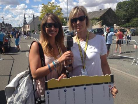 Two hardworking journos: Laura with Petra Harangi at the Tour de France (image courtesy of Laura Meseguer)