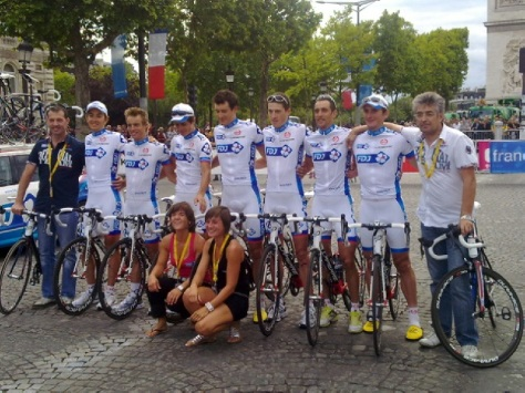 Sophie with the FDJ Tour team (image courtyesy of Sophie Chavanel)