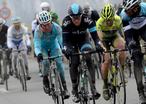 Decisive attack led by Maxim Iglinskiy, look out for him in forthcoming races (image courtesy of Astana)