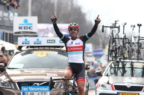 Spartacus in victory (image courtesy of rondevanvlaanderen.be)