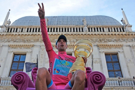 No surprise that champion Nibali features in all our teams of the race (Image: Giro d'Italia)