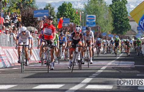 Giro Stage 13 sprint CREDIT DAVIDE CALABRESI