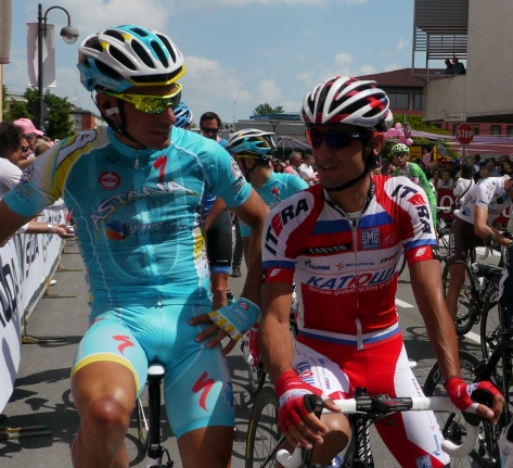 Relaxed and chatting at the start: is it in Italian or Russian?