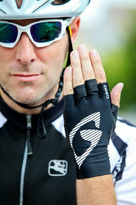Giro LTC glove in black.