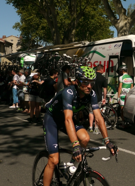 Alejandro Valverde enjoying the lack pf attention on French soil (image: Sheree)