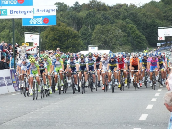 Peloton in GP Ouest-France Plouay 2012
