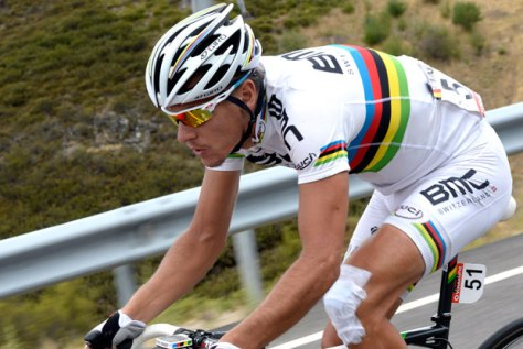 Gilbert left it late but managed to avoid the curse of the rainbow jersey (Image: Vuelta website)