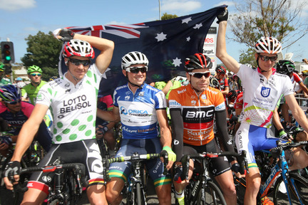 Evans (second from right) will be pleased with his overall performance despite having to concede the ochre jersey to Gerrans (second from left) (Image: TDU/John Veage)