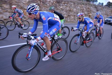 Seb Chavanel riding shot gun for Nacer Bouhanni (image: Pressesports)