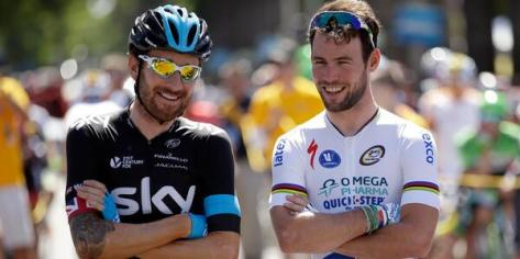 One photo, two stage winners - former teammates Bradley Wiggins and Mark Cavendish swap stories (Image: Tour of California)