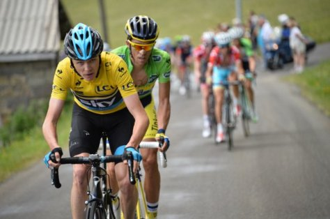 Contador stuck to Froome's wheel all the way up the Col de Beal but could not find a way past (Image: Presse Sports/B Papon)