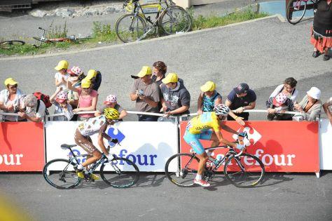 Jean-Christophe Peraud (Ag2r) flying away with (Vincenzo Nibali (Astana)