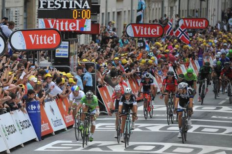 Tretntin barely holds off Sagan at the line - but it was enough, just (Image: ASO/G Demouveaux)