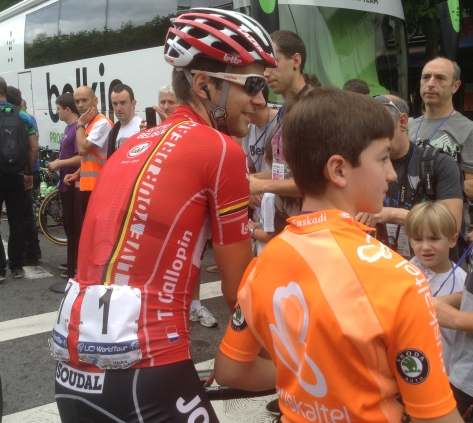 Lat years winner Tony Gallopin (Lotto-Belisol) at the start with a young fan (Image: Sheree Whatley)