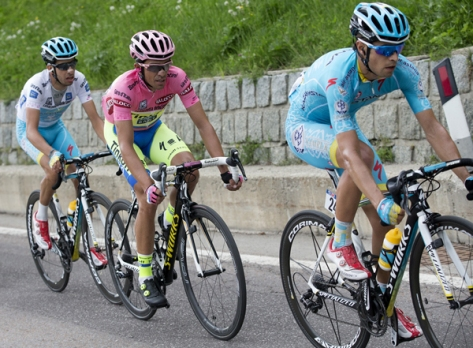 Outnumbered but not outgunned, Contador stayed cool to extend his lead over Fabio Aru (Image: Giro d'Italia)