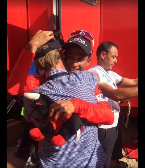 Chaves hug 2