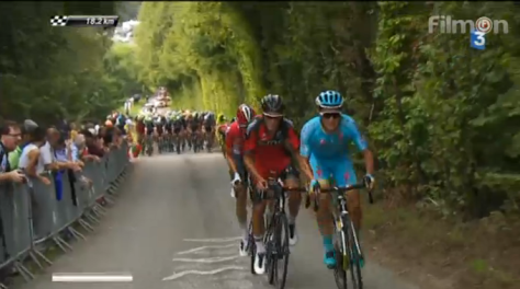 Silvain Dillier (BMC) and Alexey Lutsenko (Astana) powering up the Cote de Ty-Marrac