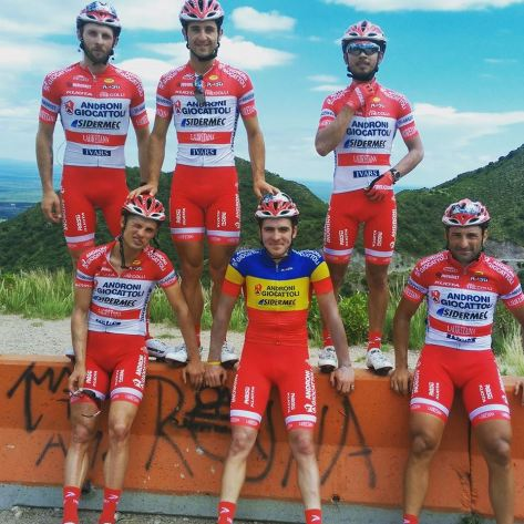 Daniele and a few of his new teammates (image D Ratto)