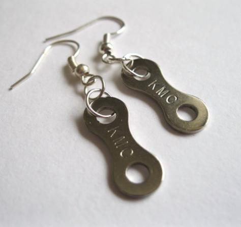 chain-earrings-buttonsandbicyclesuk